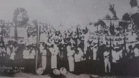 Nhân dân Kon Tum đón mừng ngày vui giải phóng hoàn toàn tỉnh (16-3-1975)
