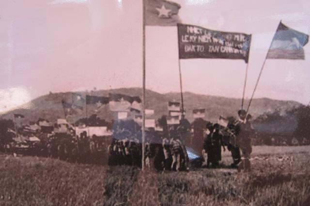 Mit tinh kỷ niệm 1 năm chiến thắng Đăk Tô-Tân Cảnh (1973)
