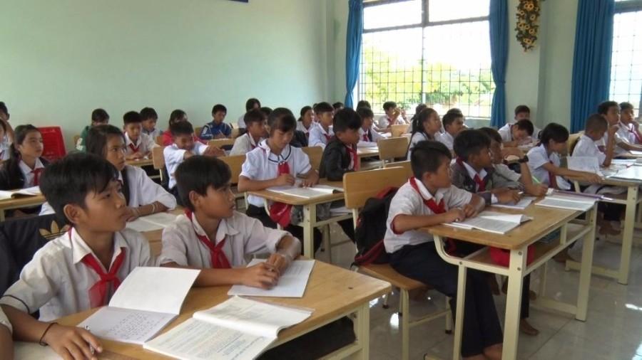 Huyện Ia H'Drai sẵn sàng cho năm học mới 2017- 2018