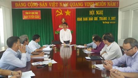 Quang cảnh hội nghị giao ban công tác báo chí tháng 9-2017.