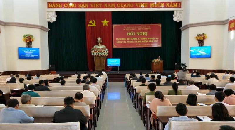 Quang cảnh HN tập huấn công tác thông tin đối ngoại năm 2017