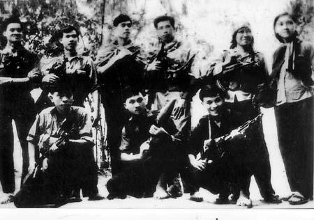 Đội võ trang Ban Tuyên huấn đặc khu Sài Gòn - Gia Định (T4) trước giờ xuất kích tham gia chiến dịch Tết Mậu Thân 1968 lịch sử. Ảnh: Tư liệu