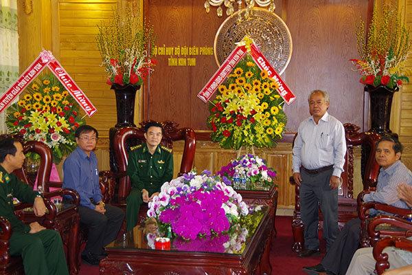 Đồng chí A Pớt thay mặt lãnh đạo tỉnh phát biểu chúc mừng cán bộ, chiến sĩ BĐBP tỉnh
