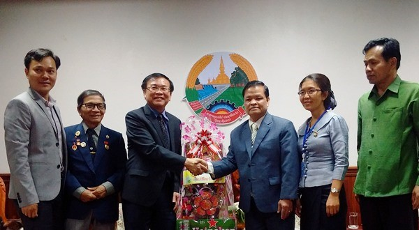 Chủ tịch UBND tỉnh Kon Tum chúc mừng năm mới