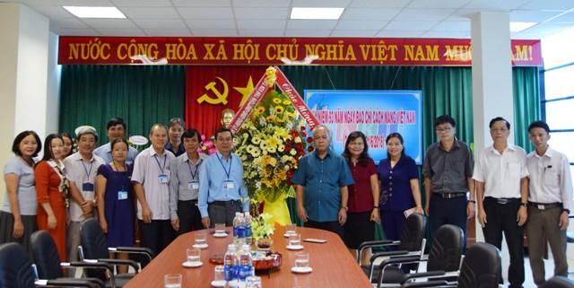 Thường trực Tỉnh ủy-HĐND-UBND-UBMTTQ Việt Nam tỉnh chúc mừng Đài PTTH tỉnh