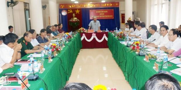 Bí thư Tỉnh ủy Nguyễn Văn Hùng phát biểu kết luận tại buổi làm việc