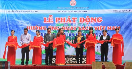 Cắt băng khai mạc Ngày Sách Việt Nam tỉnh Kon Tum lần thứ VI