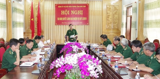 Đồng chí Đại tá A Miên, Bí thư Đảng ủy, Chính ủy BĐBP tỉnh chủ trì Hội nghị.