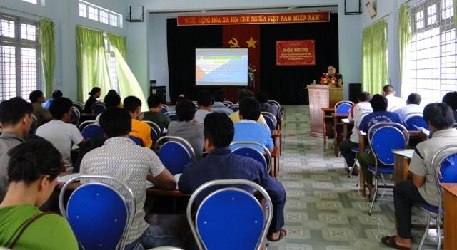 Quang cảnh Hội nghị tập huấn tuyên truyền, phổ biến, giáo dục pháp luật tại xã Đăk Nhoong, huyện Đăk Glei (Kon Tum)