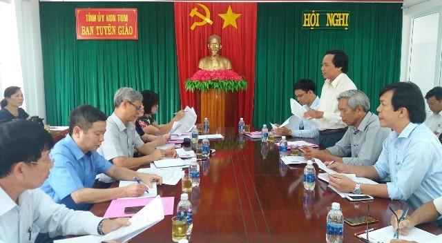 Đoàn khảo sát làm việc với các sở, ban, ngành tại Ban Tuyên giáo Tỉnh ủy Kon Tum