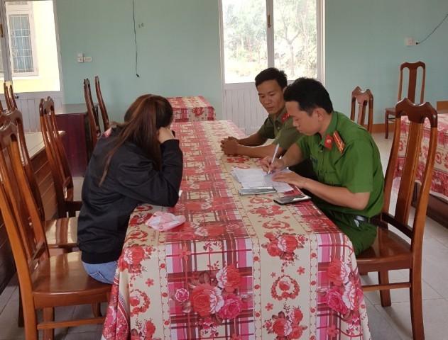 Công an huyện Sa Thầy làm việc với chị N.T.K.N