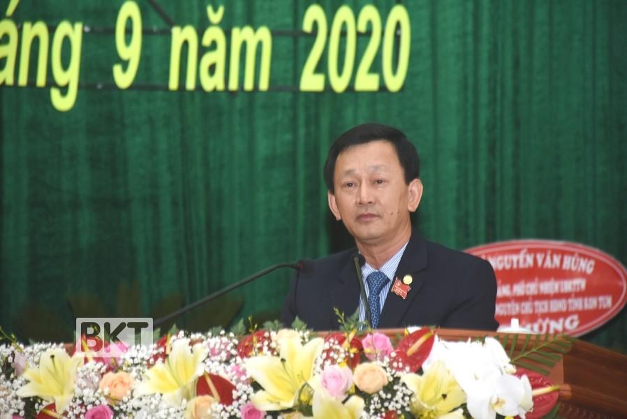 Đồng chí Dương Văn Trang - Ủy viên Trung ương Đảng, Bí thư Tỉnh ủy khóa XV trình bày diễn văn khai mạc tại Đại hội. Ảnh: VP