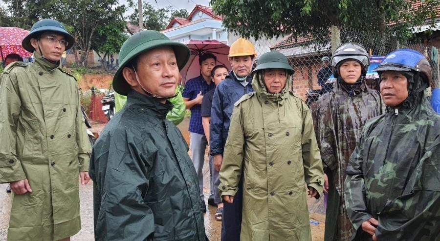Đồng chí Bí thư Tỉnh ủy kiểm tra tình hình tại xã Đăk Ruồng, huyện Kon Rẫy