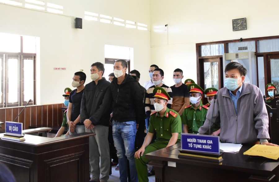 Các bị cáo tại phiên tòa phúc thẩm. Ảnh: Hoài Tiến