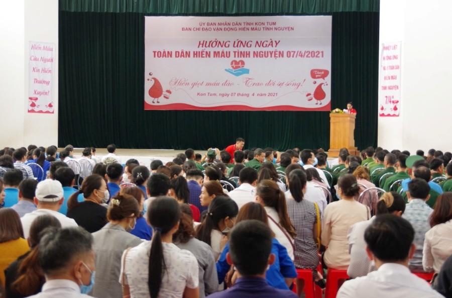 """Quang cảnh Lễ phát động """"Ngày toàn dân hiến máu tình nguyện"""" sáng 7/4/2021"""