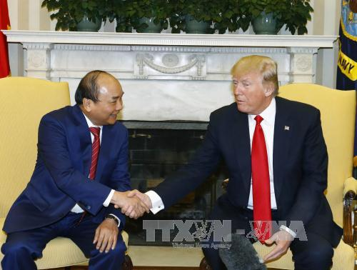 Thủ tướng Nguyễn Xuân Phúc hội đàm với Tổng thống Hợp chúng quốc Hoa Kỳ Donald Trump. Ảnh: Thống Nhất/TTXVN