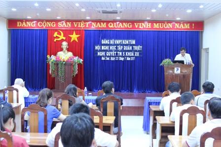 Đảng ủy Viễn thông Kon Tum tổ chức học tập Nghị quyết TW 5