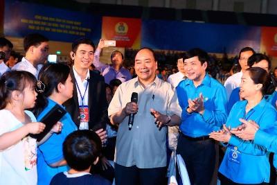 Thủ tướng Chính phủ định kỳ đối thoại với công nhân, người lao động