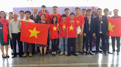 Đoàn Việt Nam tại Triển lãm (nguồn VTV điện tử)