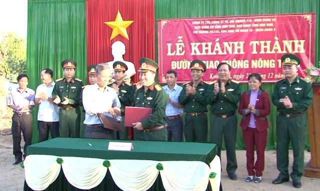 Bàn giao công trình dân vận của các đơn vị quân đội trên địa bàn tỉnh Kon Tum năm 2018