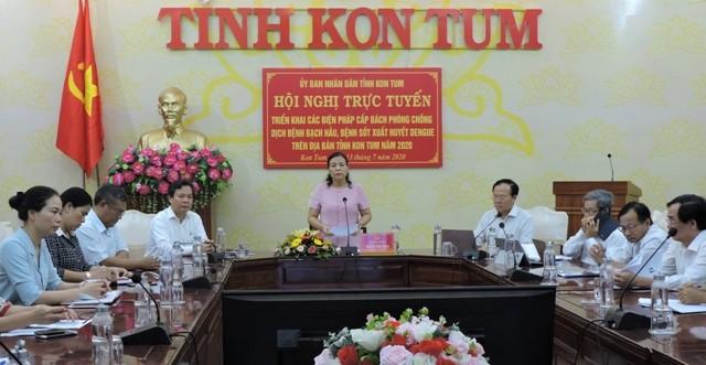 Đồng chí Phó Chủ tịch UBND tỉnh Trần Thị Nga phát biểu chỉ đạo tại Hội nghị. Ảnh: TH