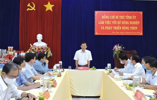 Đồng chí Bí thư Tỉnh ủy Dương Văn Trang phát biểu tại buổi làm việc. Ảnh: TH