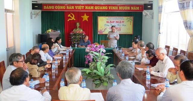 Một buổi sinh hoạt định kỳ của Câu lạc bộ Trí thức KH&CN tỉnh